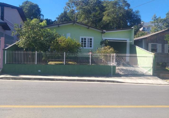 Casa no bairro Forquilhas em São José