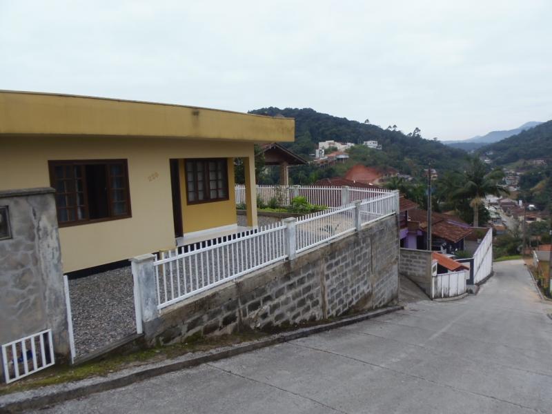 2096-Casa-Azambuja-Brusque-Santa-Catarina