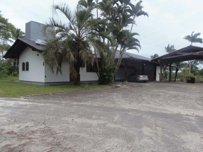 2175-Casa-Centro-Brusque-Santa-Catarina
