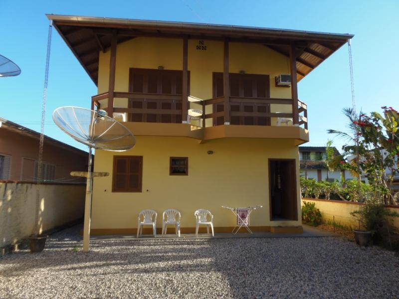 2197-Casa-Centro-Brusque-Santa-Catarina