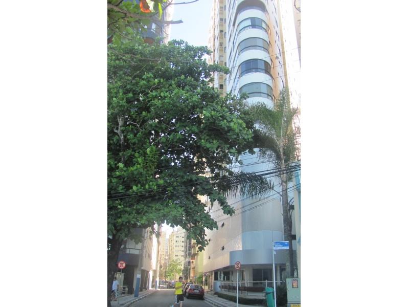 2243-Apartamento-Centro-Balneario-Camboriu-Santa-Catarina