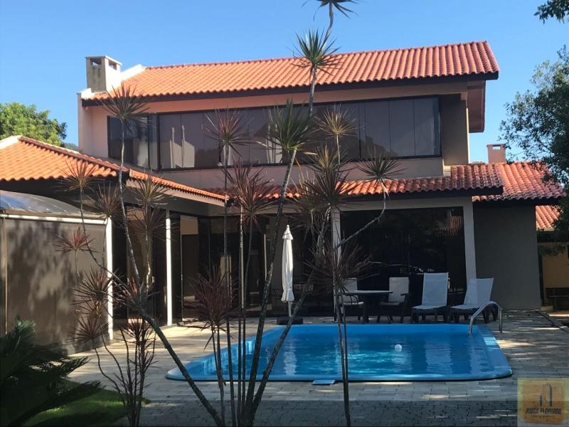 2395-Casa-Praia-do-Estaleiro-Balneario-Camboriu-Santa-Catarina