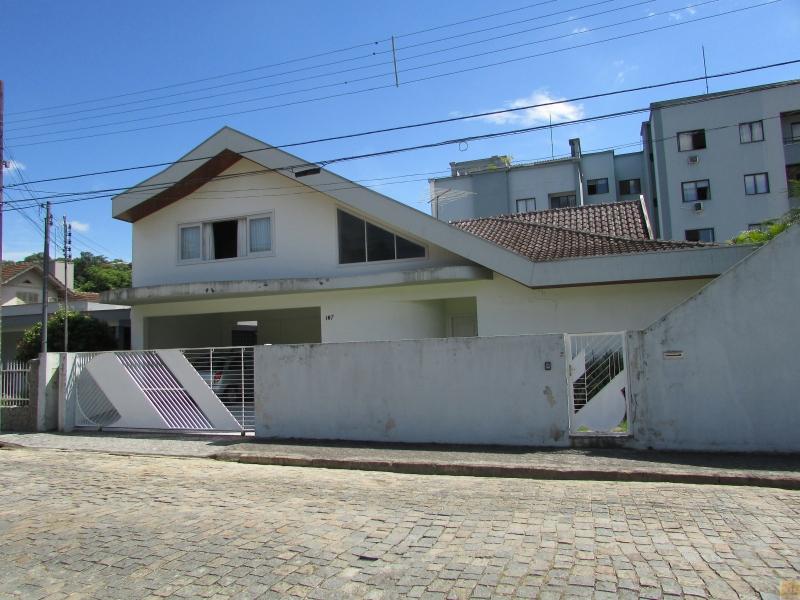 2629-Casa-Centro-Brusque-Santa-Catarina