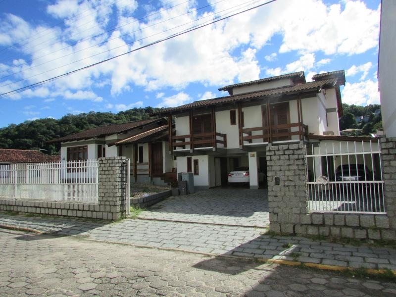 2669-Casa-Aguas-Claras-Brusque-Santa-Catarina-